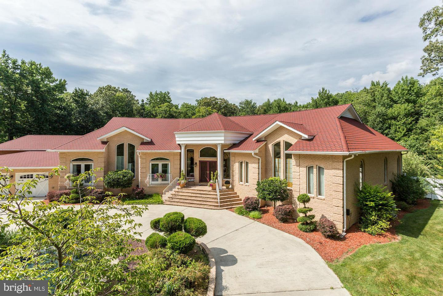 Photo of home for sale at 322 Pine Road, Fort Washington MD