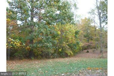 Photo of home for sale at Vulpine Drive, Gerrardstown WV