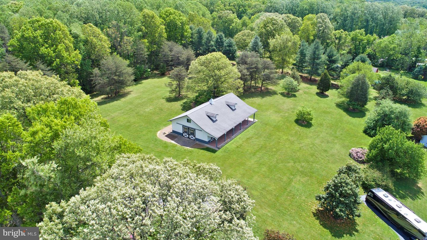 Photo of home for sale at 6903 Clifton Road, Clifton VA
