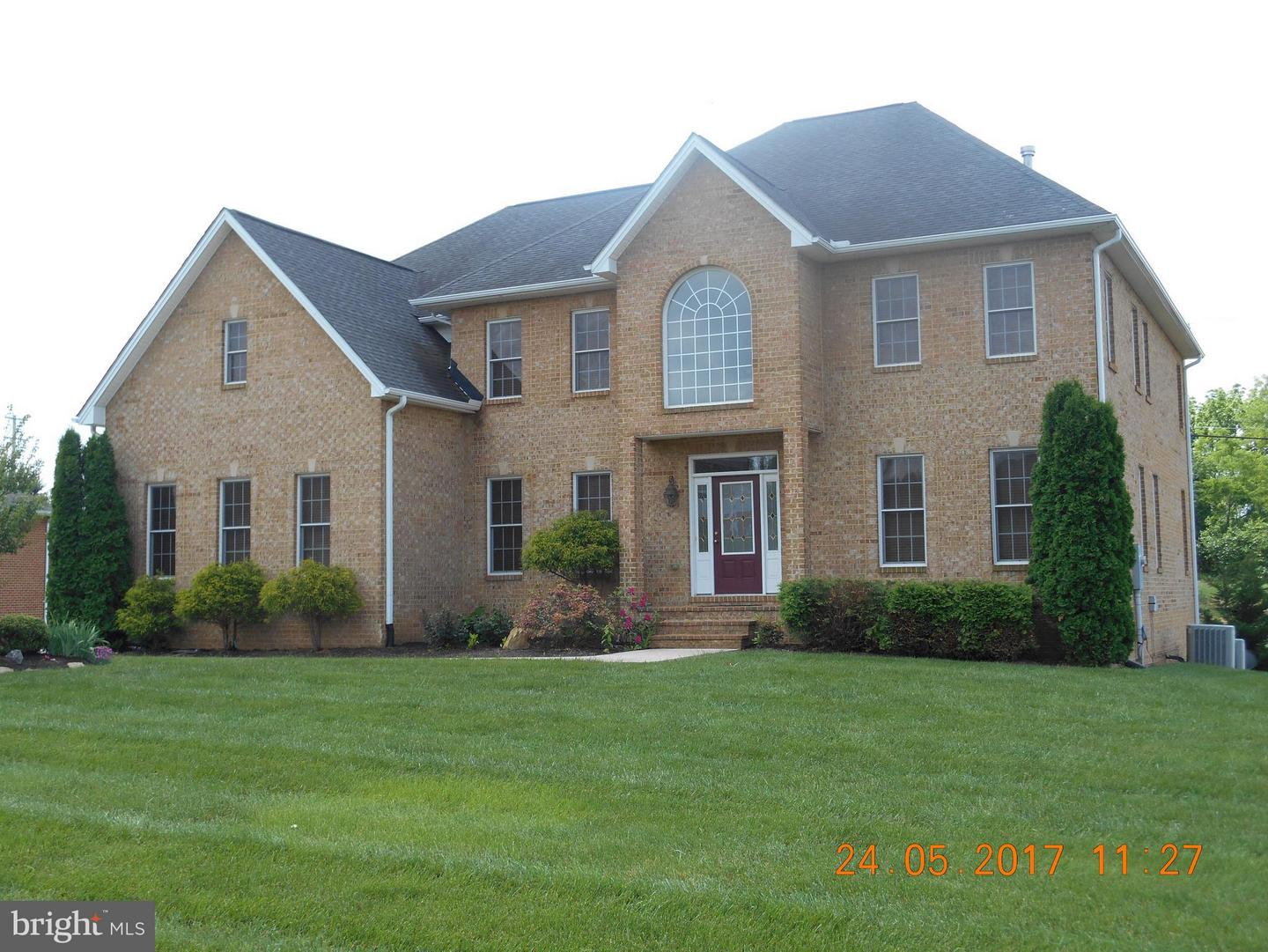 Photo of home for sale at 10916 Sassan Lane, Hagerstown MD