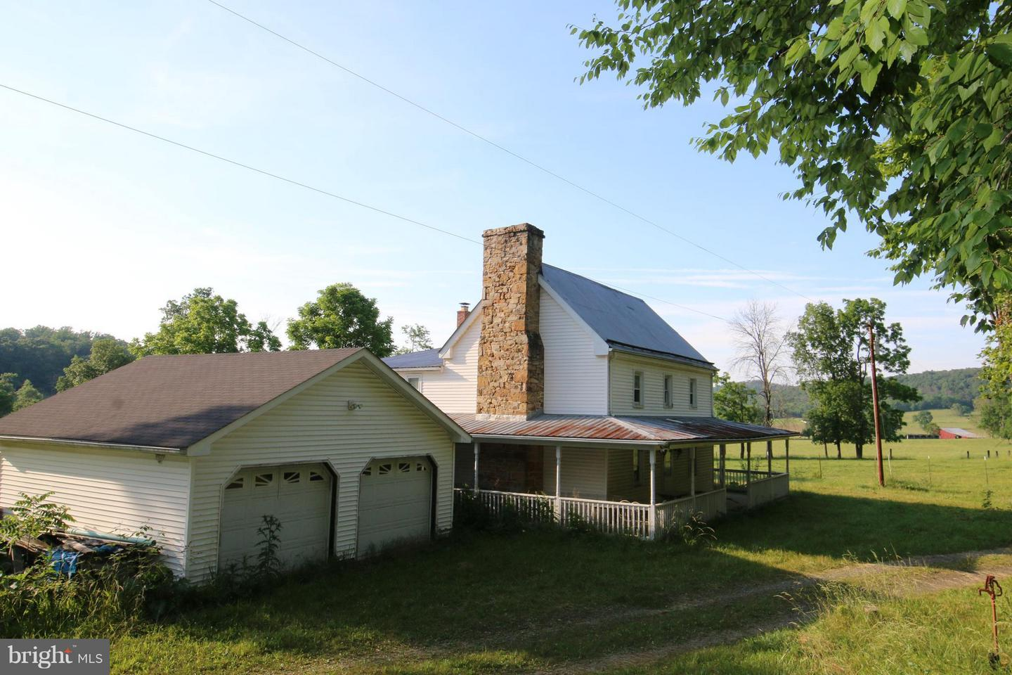 Photo of home for sale at 308 Weigle Drive, Hedgesville WV