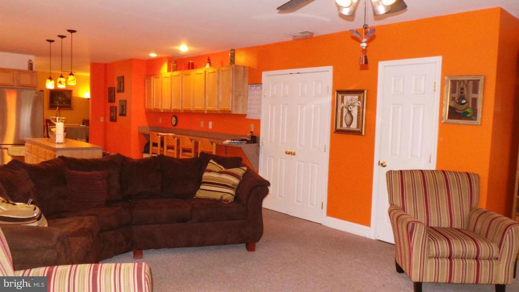 Family Room - 444 RIDGE RD SE, WASHINGTON