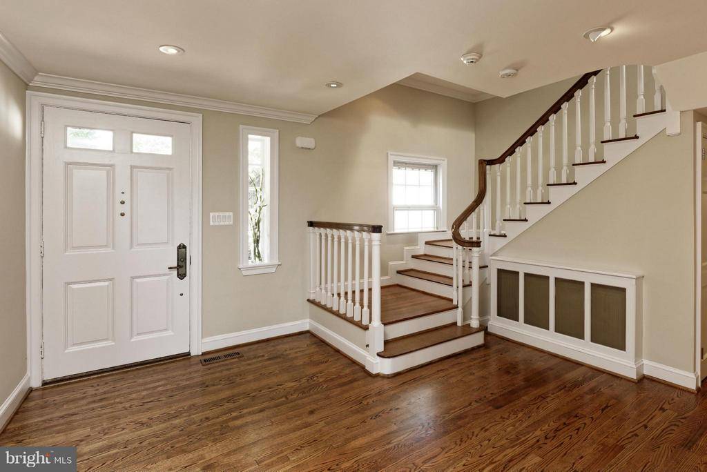 Entry Foyer - 820 HERBERT SPRINGS RD, ALEXANDRIA