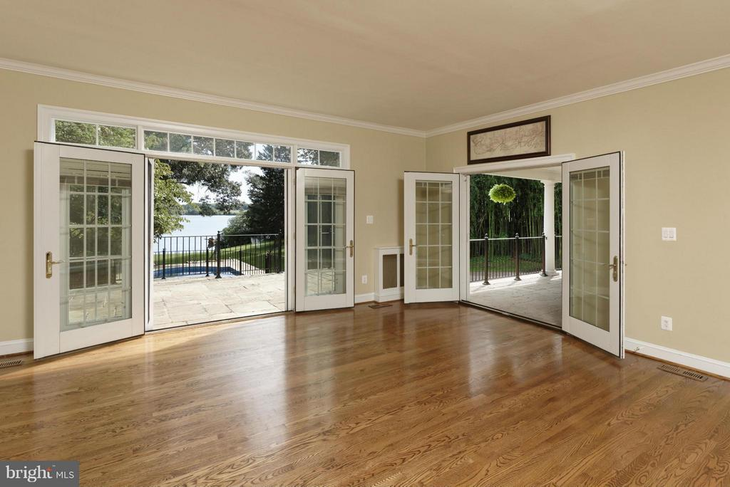 Family Room Opens to Terrace and Porch - 820 HERBERT SPRINGS RD, ALEXANDRIA