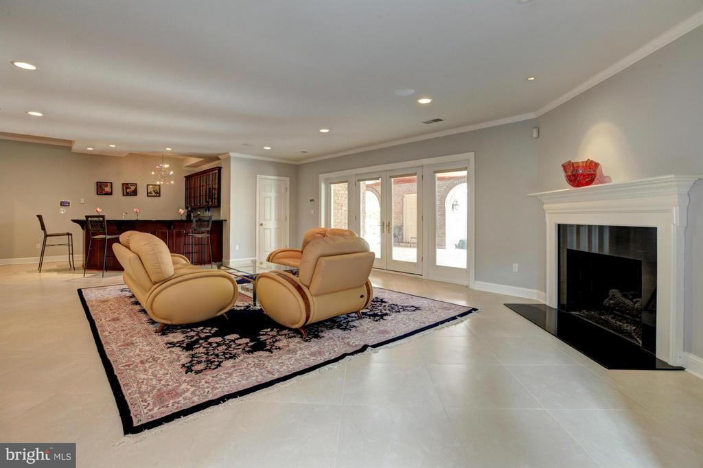 Family Room - 15325 MASONWOOD DR, GAITHERSBURG