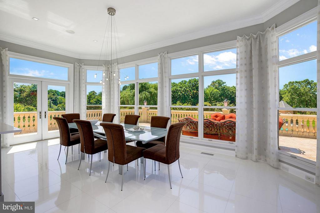 Breakfast Room with Panoramic Views of Grounds - 15325 MASONWOOD DR, GAITHERSBURG