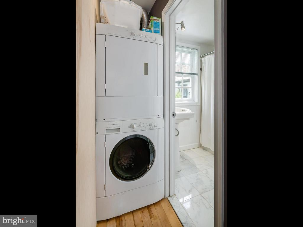 Apt 2 Laundry - 1017 DUKE ST, ALEXANDRIA
