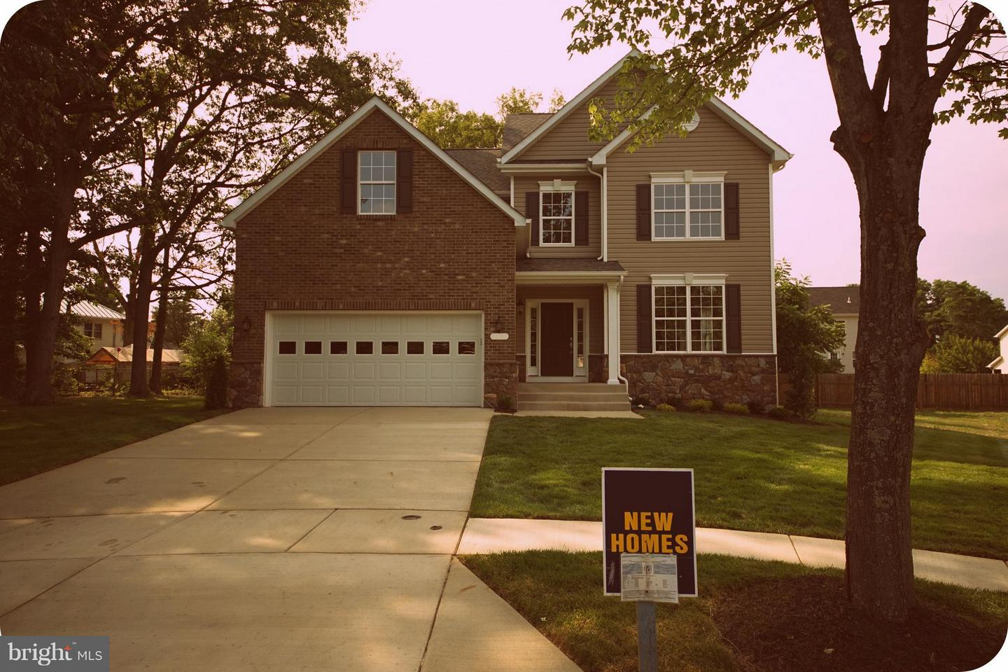 Photo of home for sale at 13359 Old Fort Road, Fort Washington MD