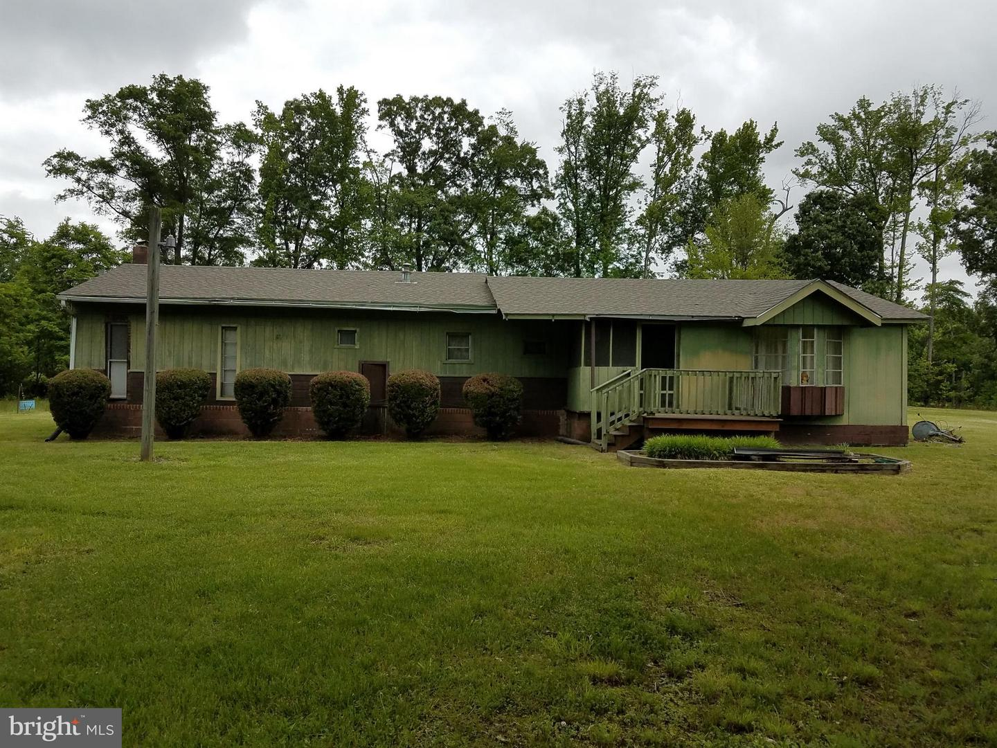 Photo of home for sale at 16477 School House Road, King George VA