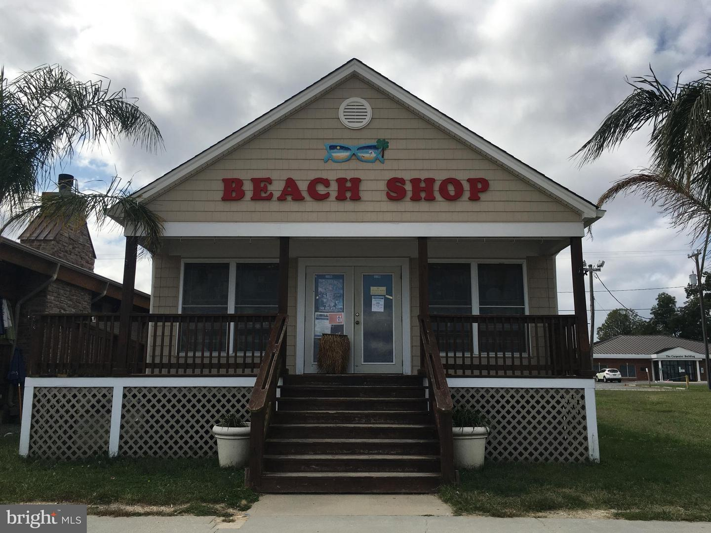 Commercial for Sale at 209 Taylor Street 209 Taylor Street Colonial Beach, Virginia 22443 United States