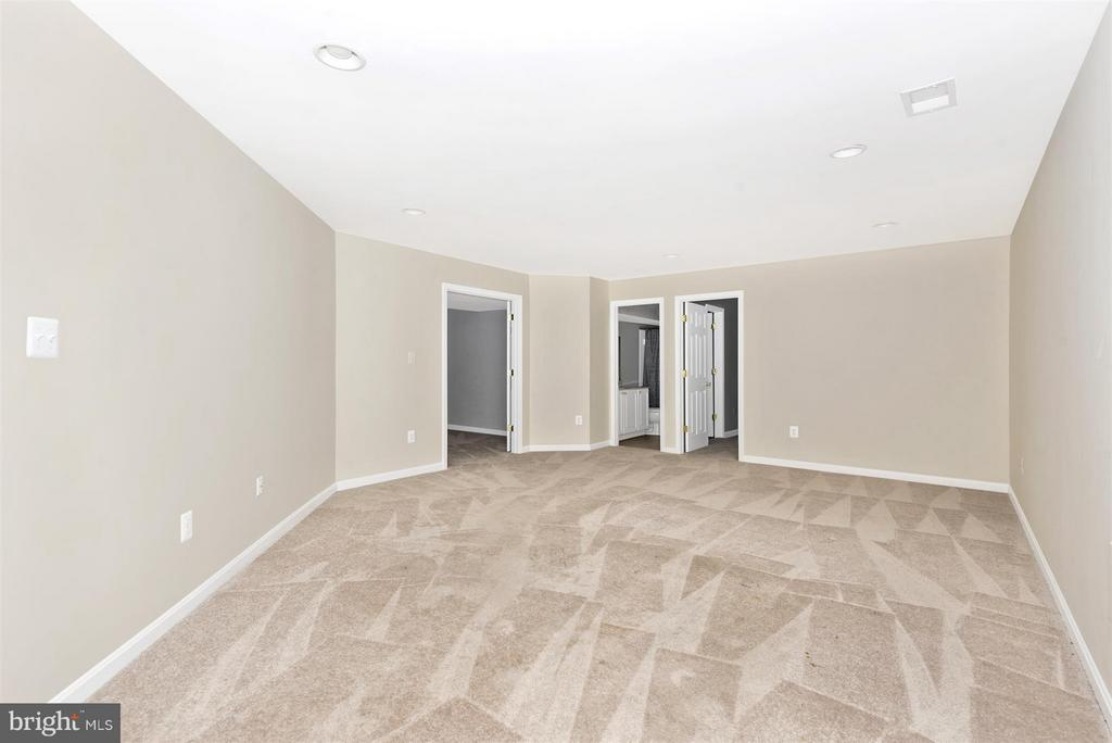 Additional room in basement with bath - 6830 WOODCREST RD, NEW MARKET
