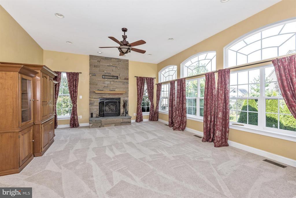 Beautiful stacked stone fireplace - 6830 WOODCREST RD, NEW MARKET