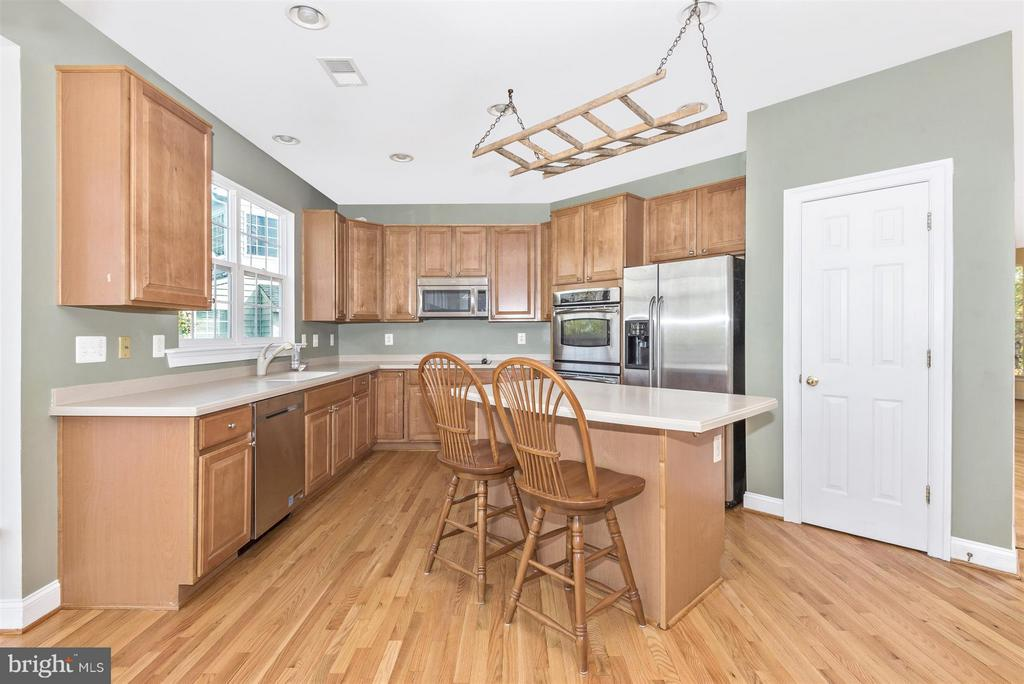 Upgraded stainless appliances - 6830 WOODCREST RD, NEW MARKET