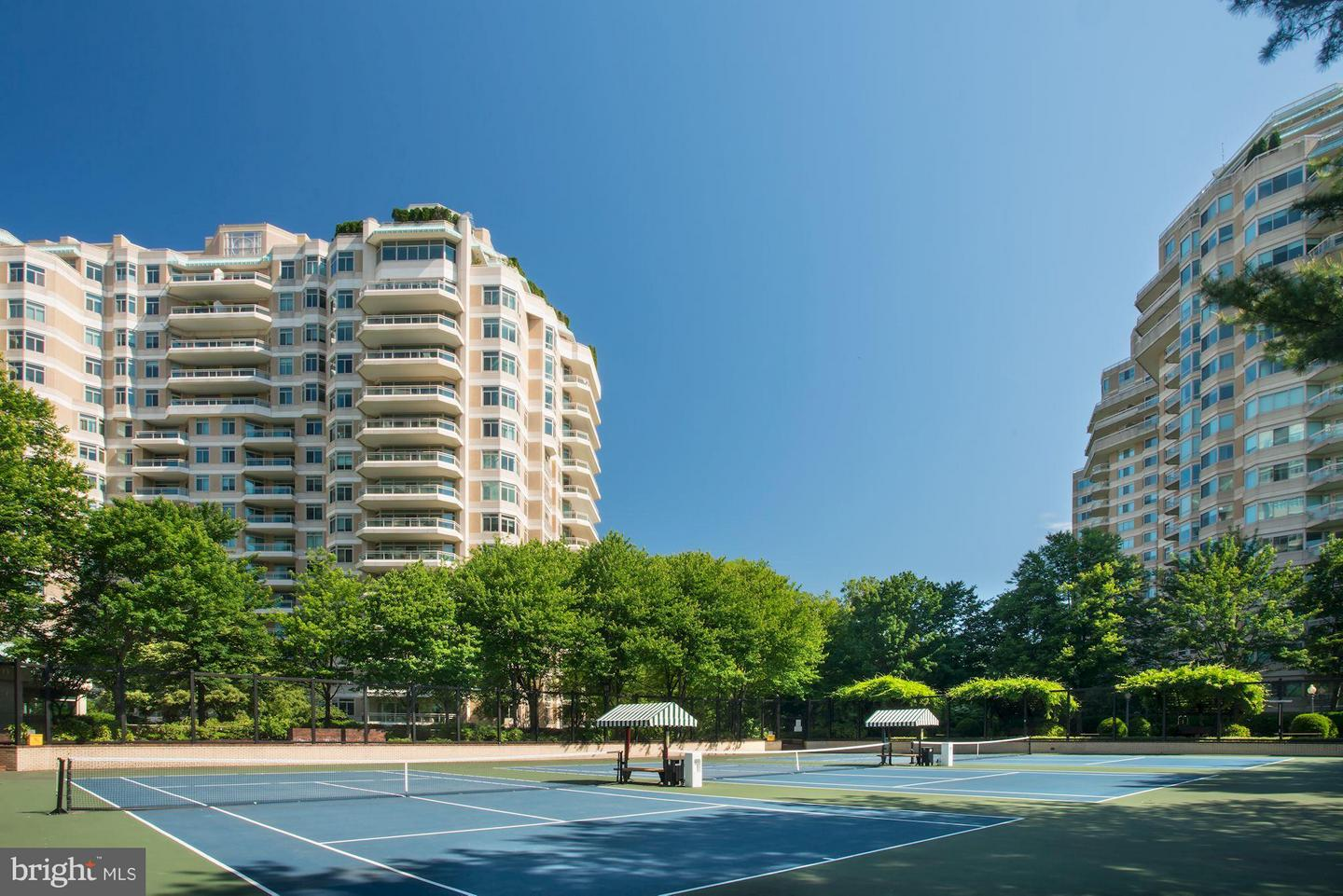 Single Family Home for Sale at 5630 Wisconsin Ave #202 5630 Wisconsin Ave #202 Chevy Chase, Maryland 20815 United States