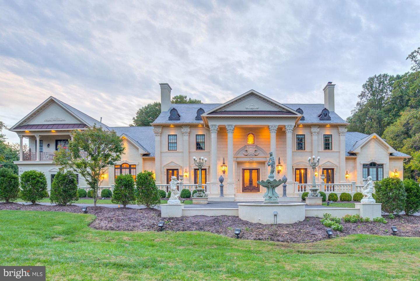 Single Family Home for Sale at 938 Peacock Station Road 938 Peacock Station Road McLean, Virginia 22102 United States