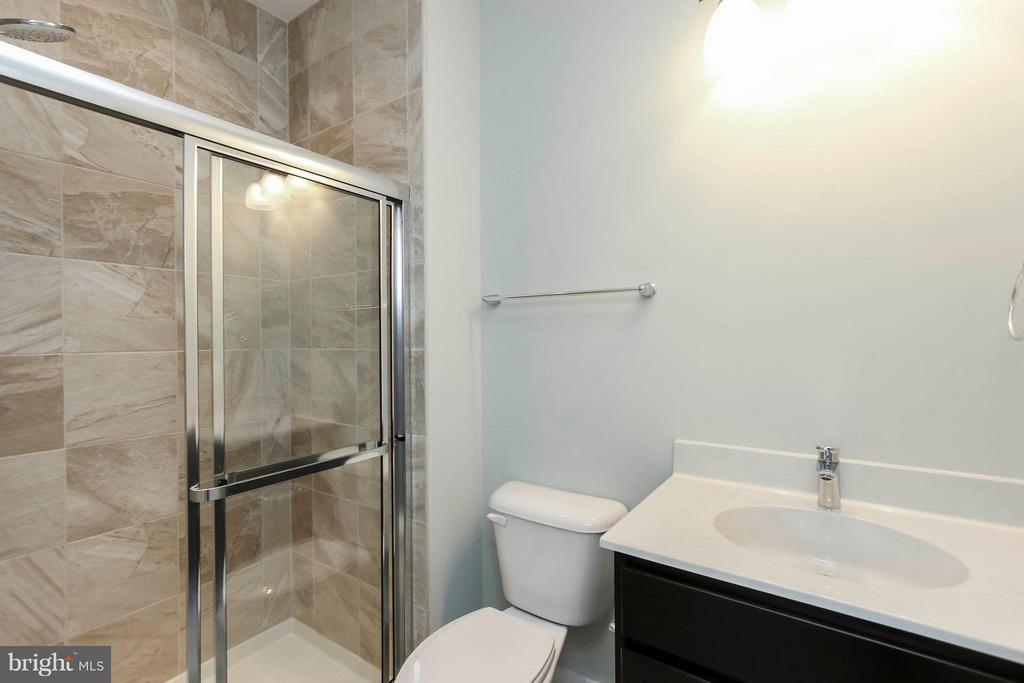 Main fl full bath. - 4736 OLD MIDDLETOWN RD, JEFFERSON