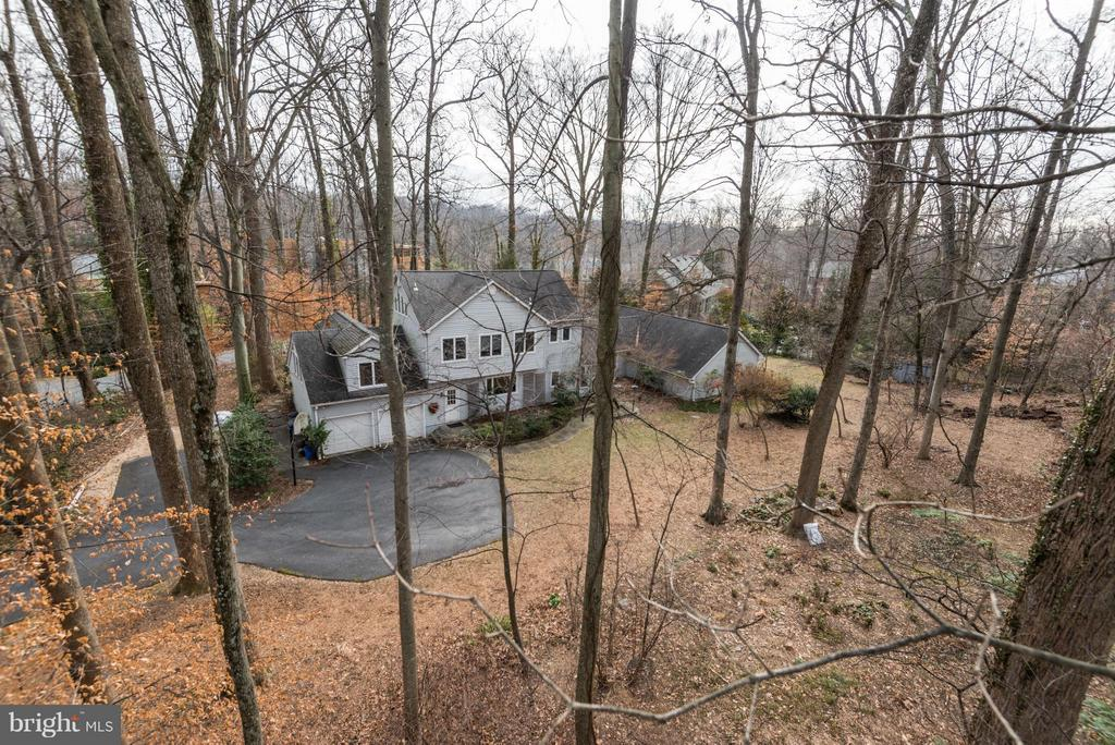 Elevated view of the site from the Northwest - 8808 CHALON DR, BETHESDA
