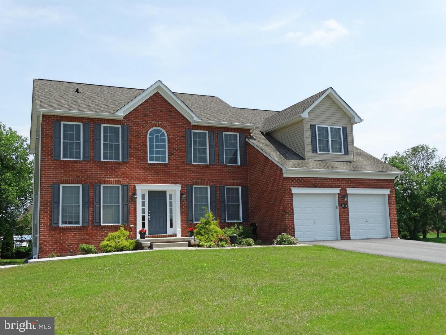 Single Family for Sale at 1054 Shannon Dr S Greencastle, Pennsylvania 17225 United States