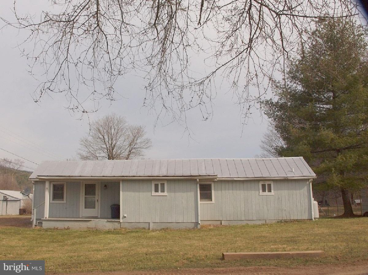 Single Family for Sale at 40 Hoten Lane Brandywine, West Virginia 26802 United States