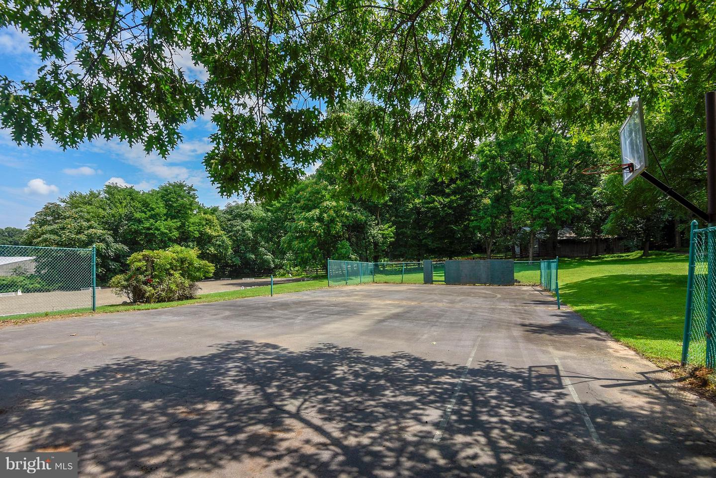 Additional photo for property listing at  Clarksburg, Maryland 20871 Estados Unidos