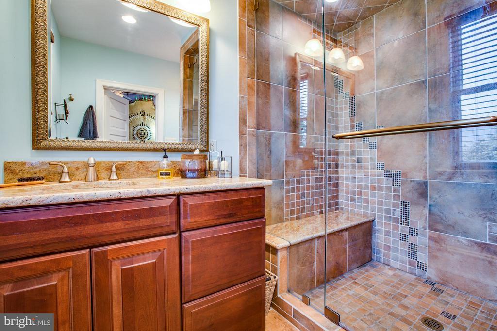 Bath - 1411 WASHINGTON AVE, FREDERICKSBURG