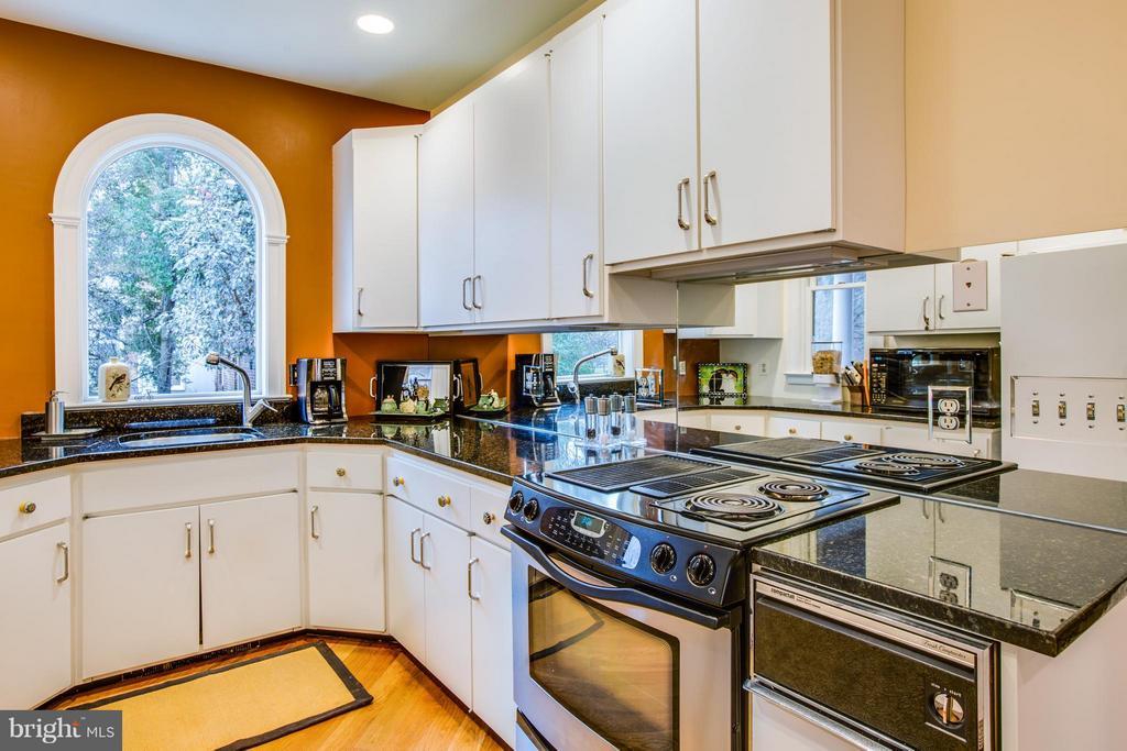 Kitchen - 1411 WASHINGTON AVE, FREDERICKSBURG