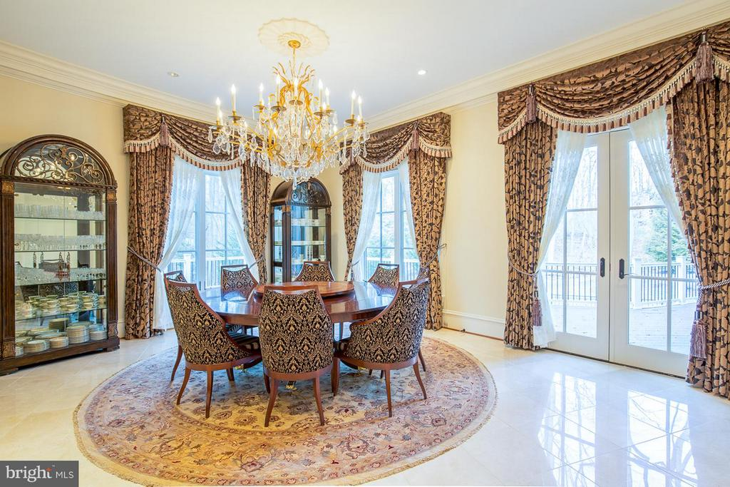 Casual Dining Room - 904 CHINQUAPIN RD, MCLEAN