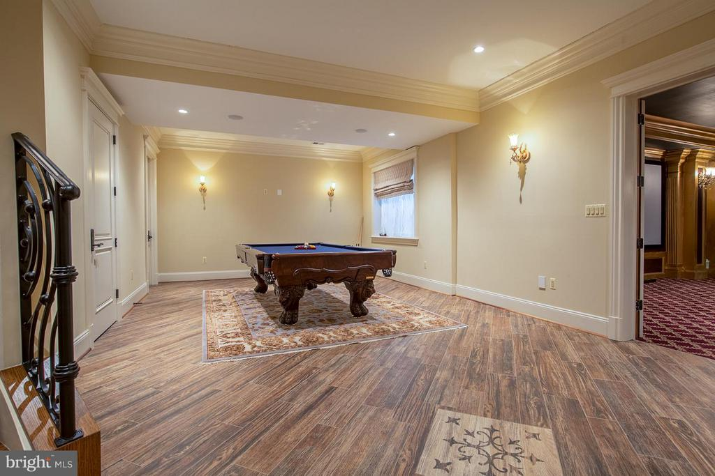 Billiards Room - 904 CHINQUAPIN RD, MCLEAN