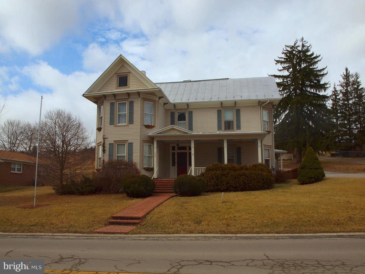 Single Family for Sale at 309 North Main Street Franklin, West Virginia 26807 United States