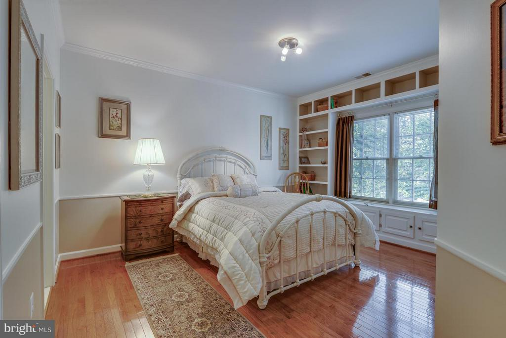 Bedroom with Built Ins - 12100 WALNUT BRANCH RD, RESTON