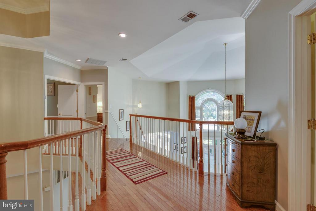 Hardwood Floors throughout - 12100 WALNUT BRANCH RD, RESTON