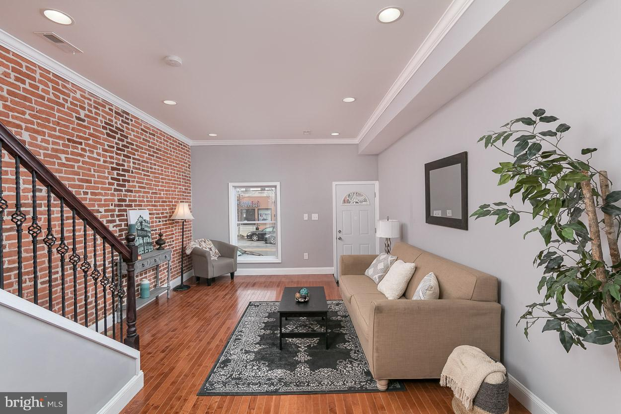 Single Family for Sale at 2842 Huntingdon Ave Baltimore, Maryland 21211 United States
