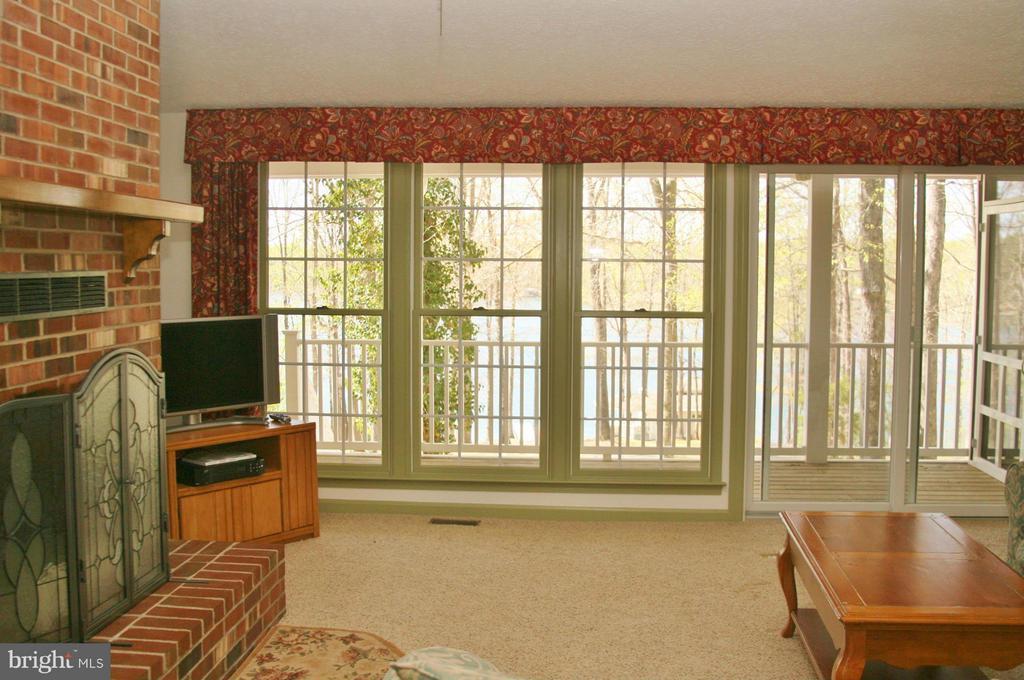 Living Room - 4213 BOGGS DR, BUMPASS