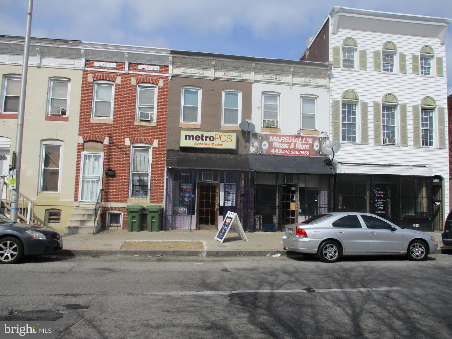 Commercial for Sale at 1946 Pratt St Baltimore, Maryland 21223 United States