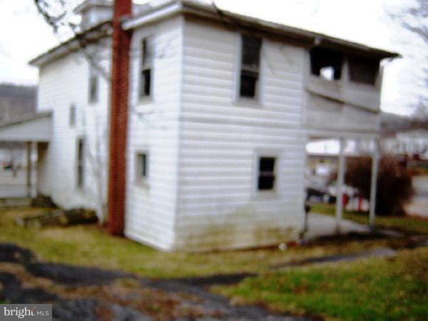 Additional photo for property listing at 359 North Washington St. Berkeley Springs, West Virginia 25411 United States