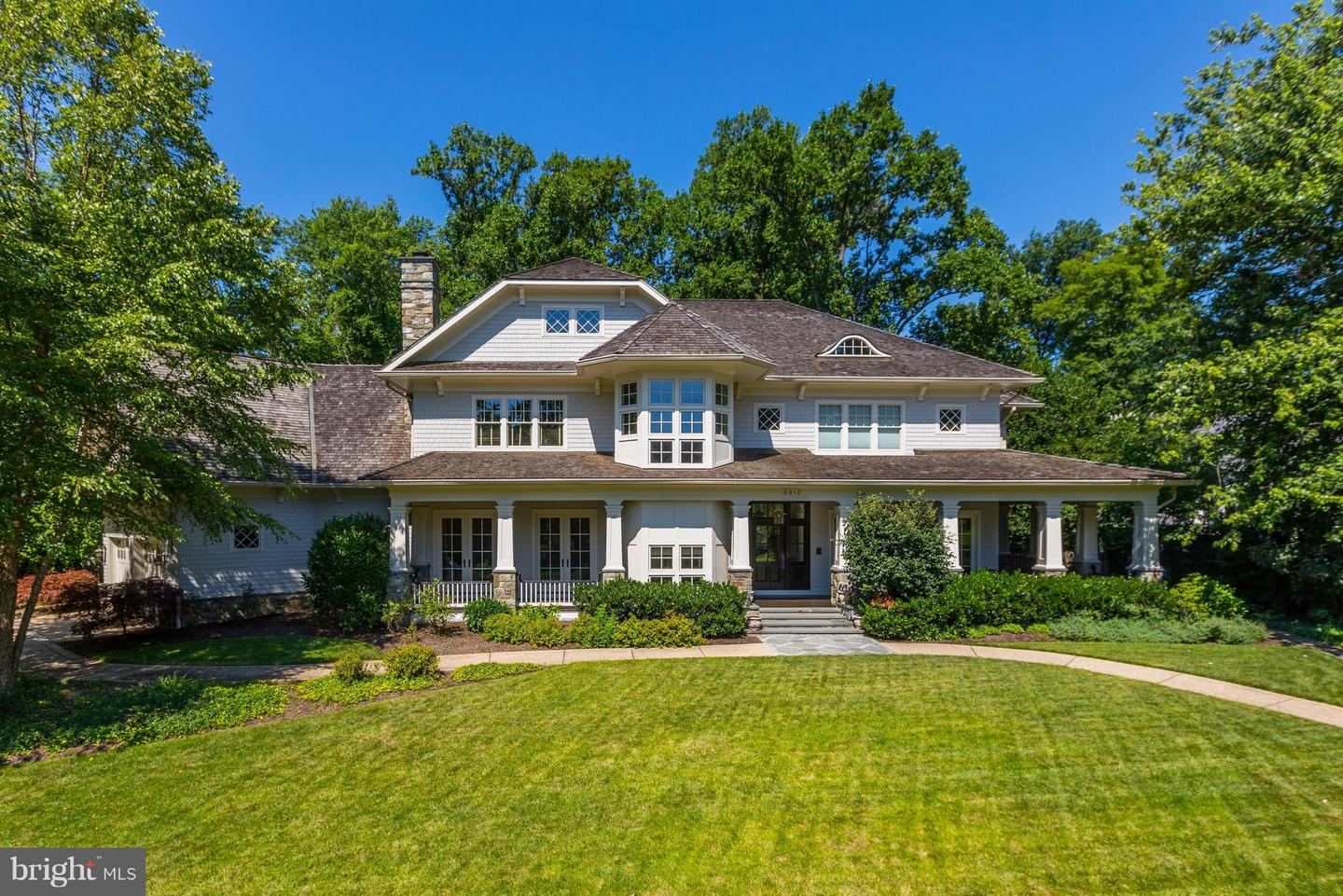 Photo of home for sale at 6810 Barrett Lane, Bethesda MD