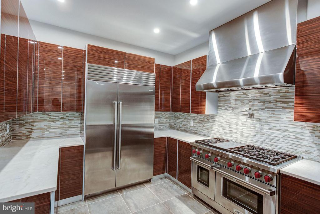 Caterer's Kitchen - 1181 BALLANTRAE LN, MCLEAN