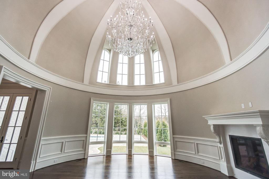 Domed Great Room - 1181 BALLANTRAE LN, MCLEAN