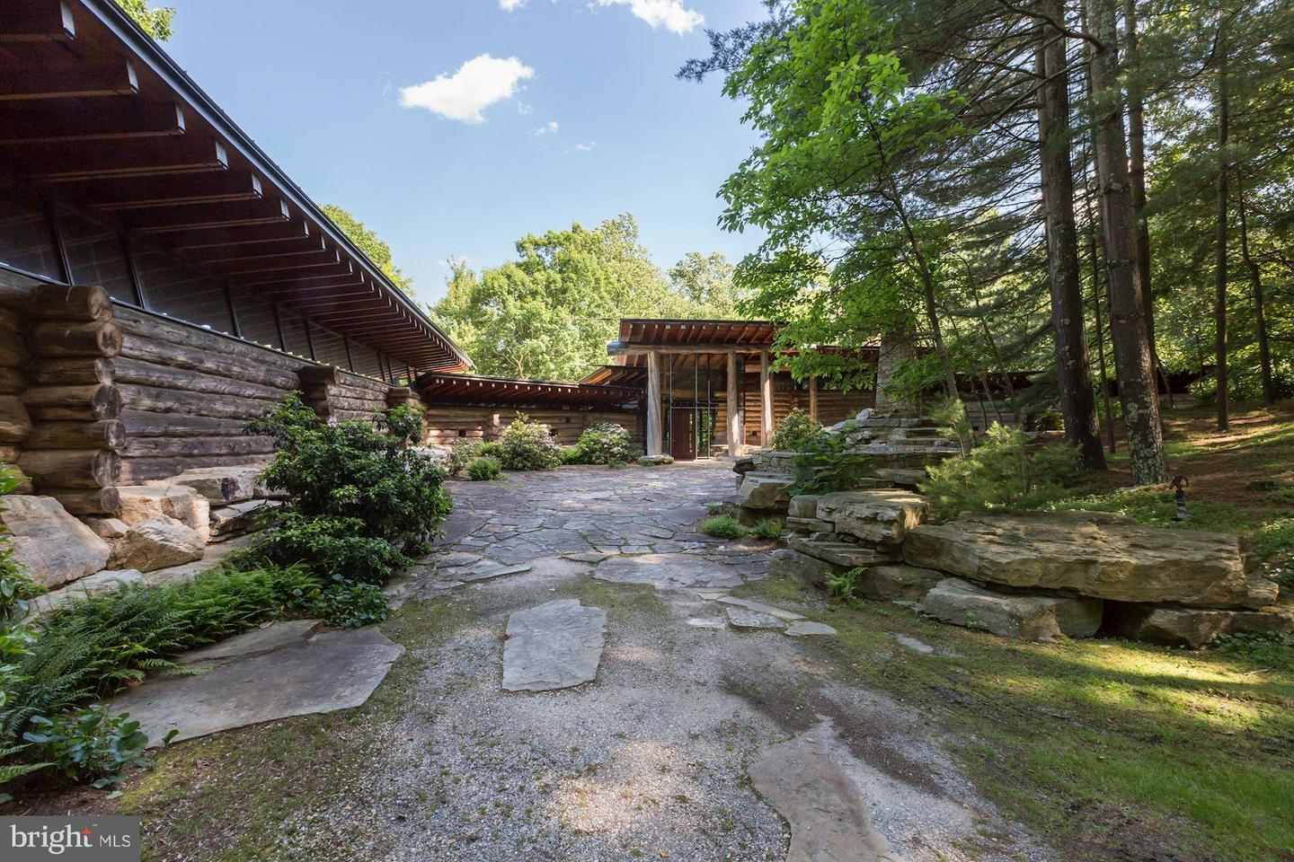 Single Family for Sale at 13170b Catoctin Hollow Rd Thurmont, Maryland 21788 United States