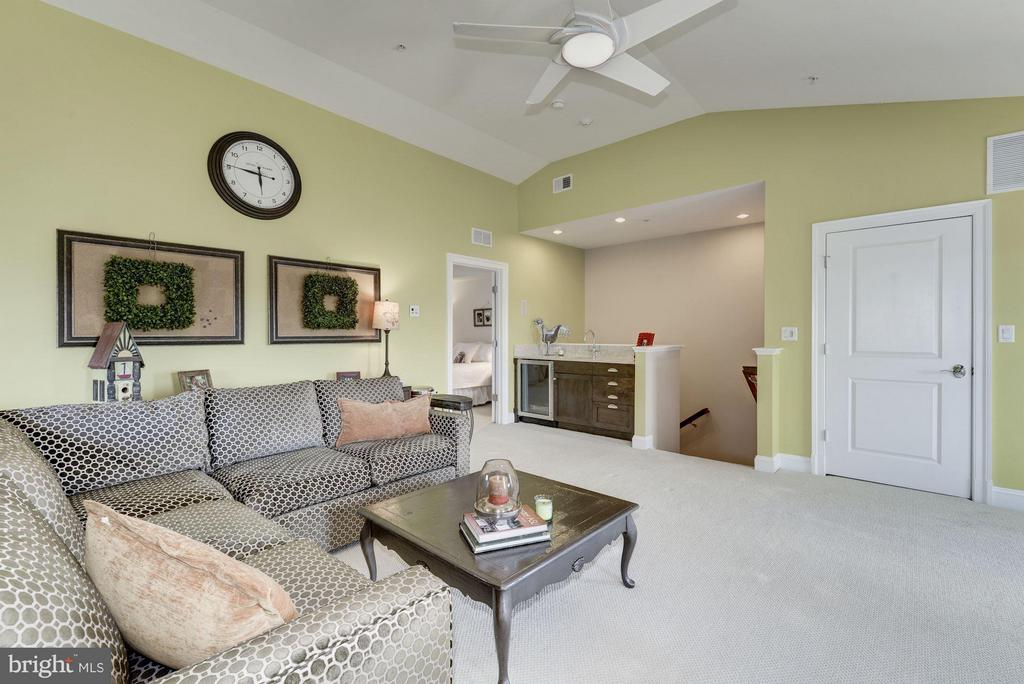 Family Room - 10887 SYMPHONY PARK DR, NORTH BETHESDA
