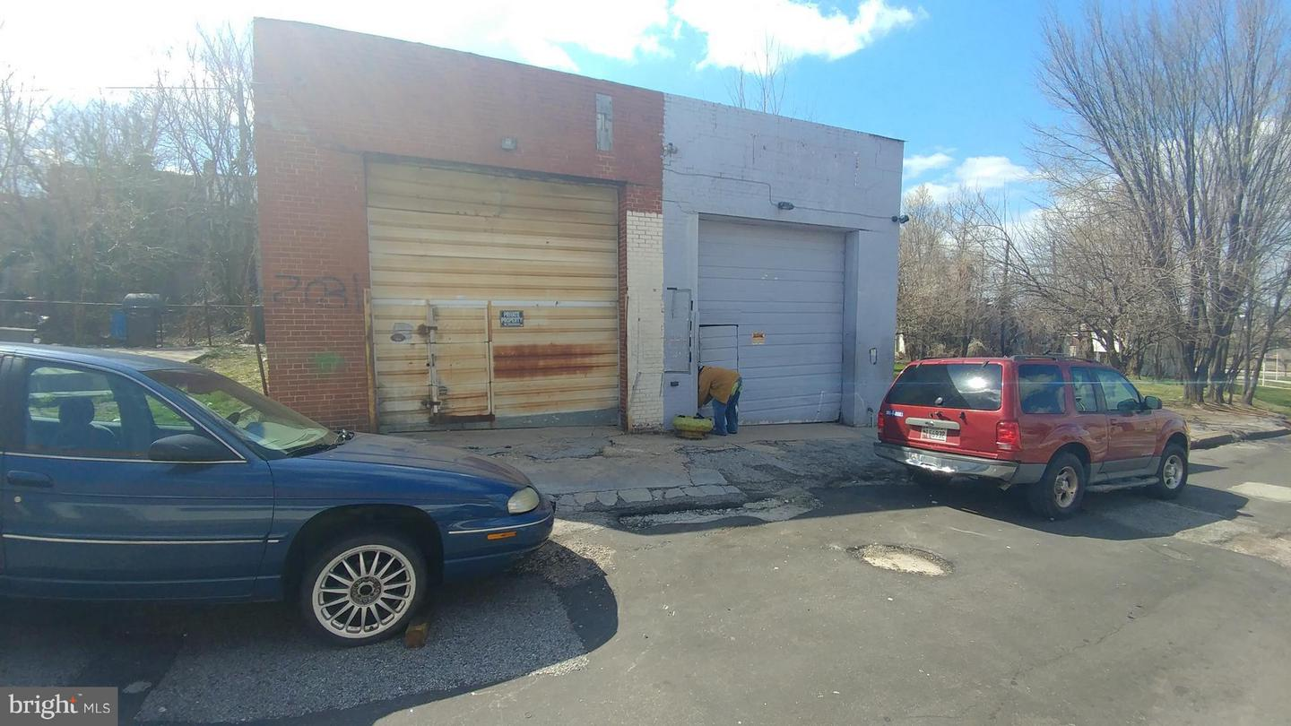 Commercial for Sale at 2031 Llewelyn Ave Baltimore, Maryland 21213 United States