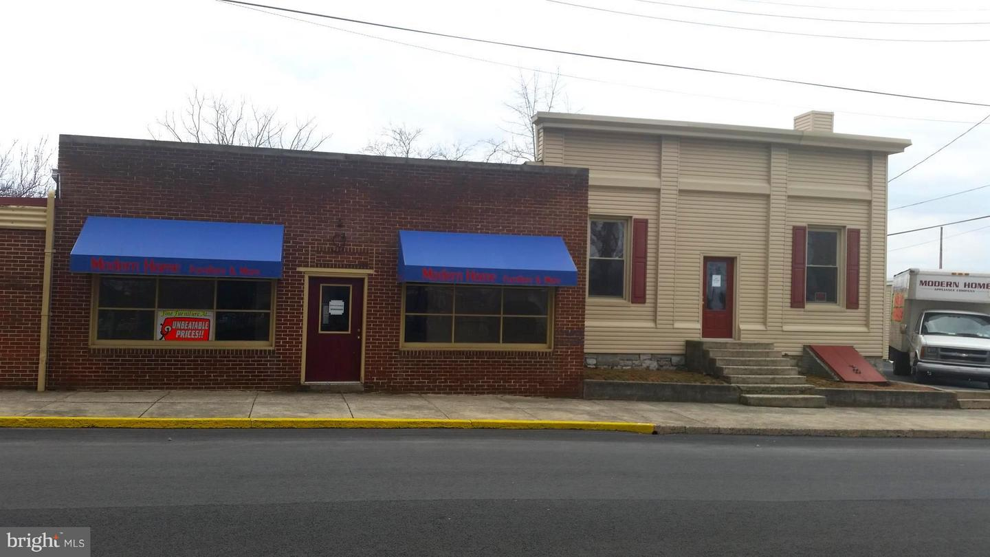 Commercial for Sale at 301 Main St S Chambersburg, Pennsylvania 17201 United States