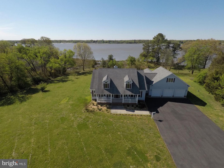 Single Family Home for Sale at 460 Sebastian Avenue 460 Sebastian Avenue Colonial Beach, Virginia 22443 United States