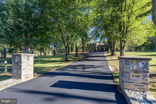 11308 HUNTING HORSE DR