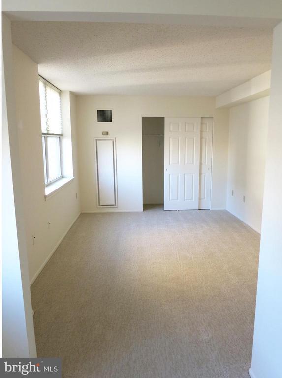 Living Room - 900 TAYLOR ST #807, ARLINGTON