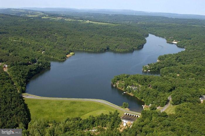 Land for Sale at Green Leaf Dr Green Leaf Dr Cross Junction, Virginia 22625 United States
