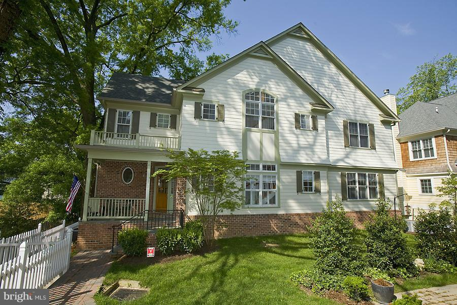 Single Family for Sale at 5524 Macarthur Blvd NW Washington, District Of Columbia 20016 United States