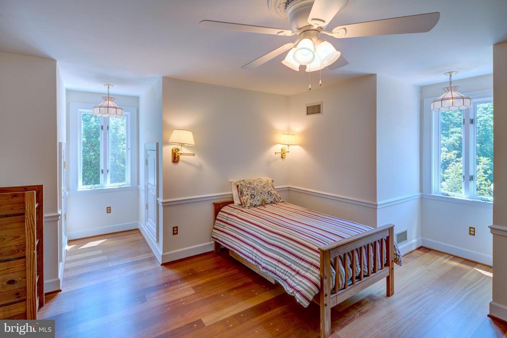 Bedroom 4 - 9531 RIVER RD, POTOMAC