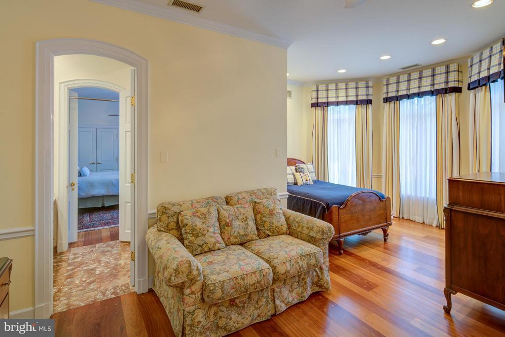 Bedroom 2 - 9531 RIVER RD, POTOMAC