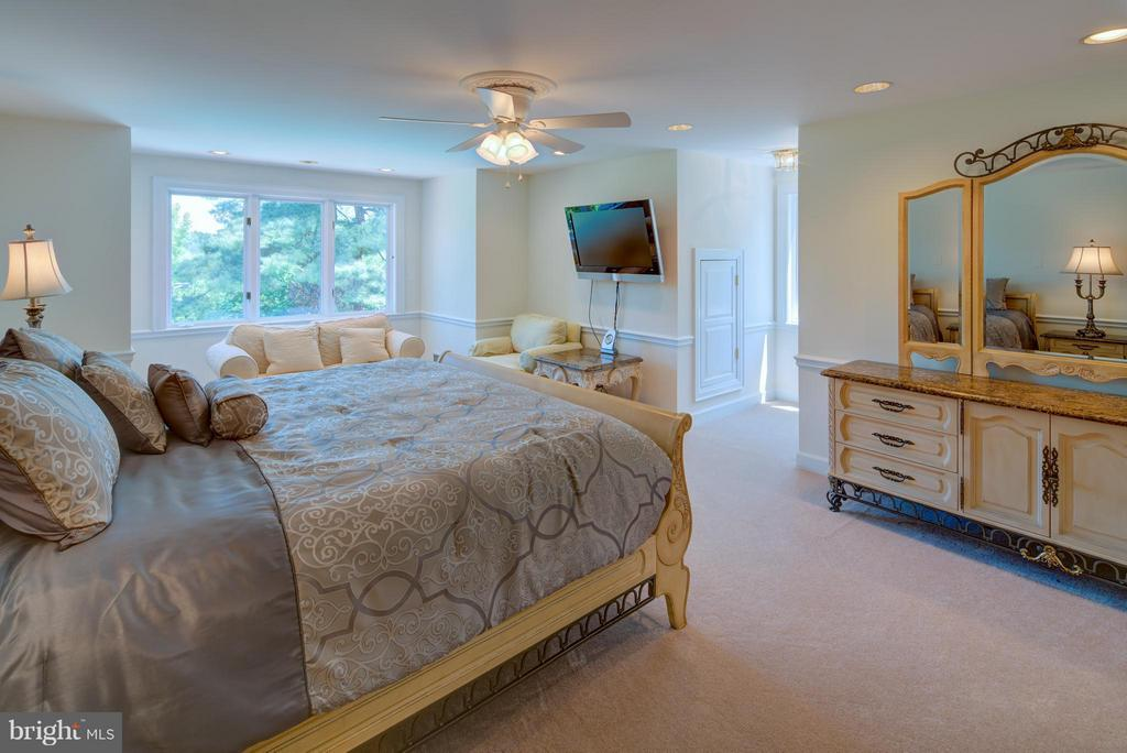 Bedroom 5 - 9531 RIVER RD, POTOMAC